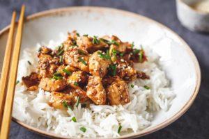 Sesam Hähnchen von Fleischerei Nieß mit Reis und Brokkoli